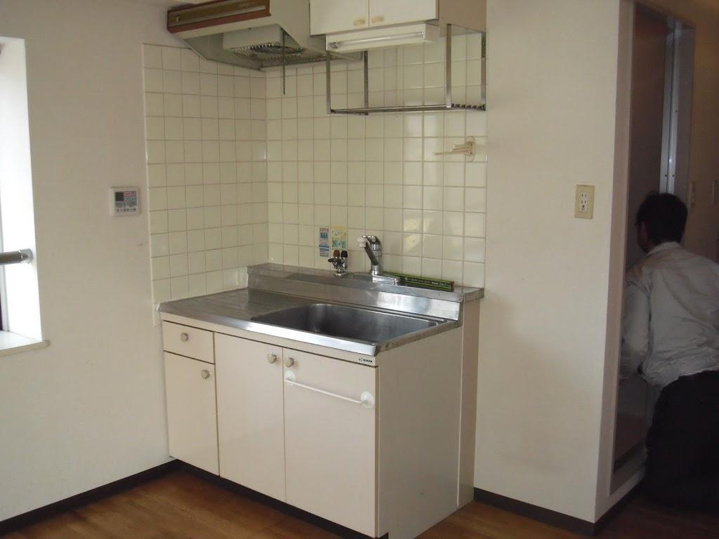 神戸市東灘区 賃貸ワンルームマンション 流し台取替、キッチンパネル貼り付け工事