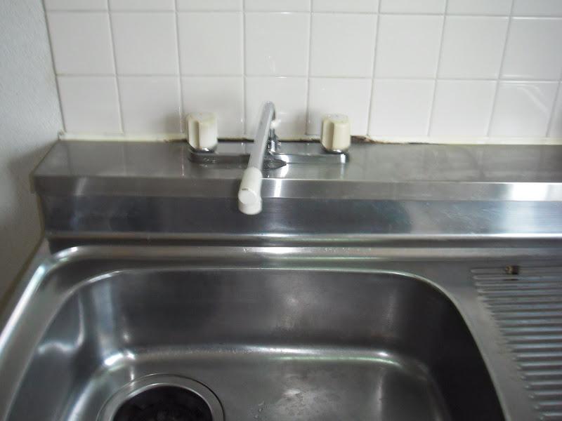 兵庫県尼崎市 賃貸ハイツ 2ハンドル台所水栓取替(交換)