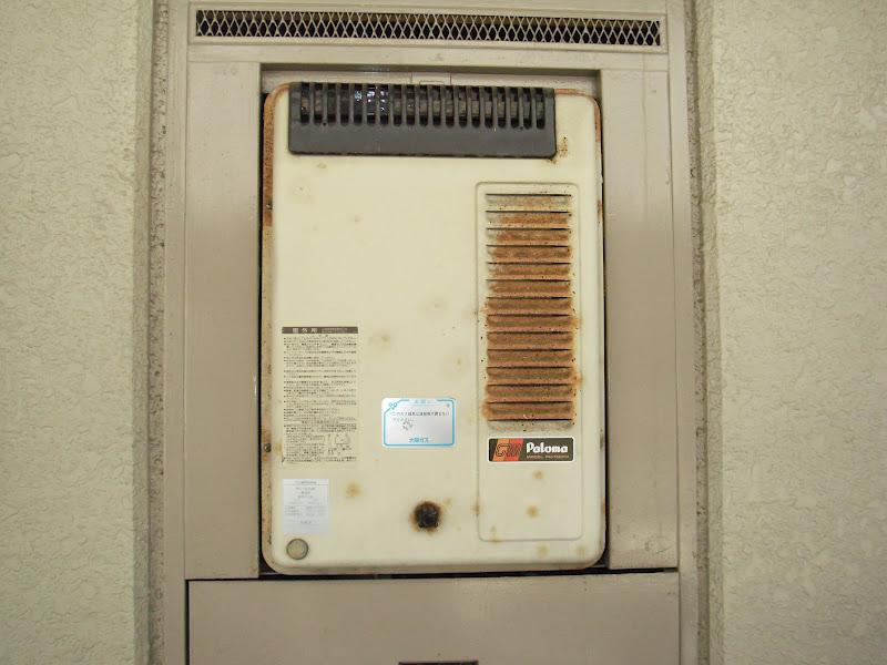 大阪市東淀川区 マンション ノーリツ メーターボックス設置型ガス給湯器取替工事交換