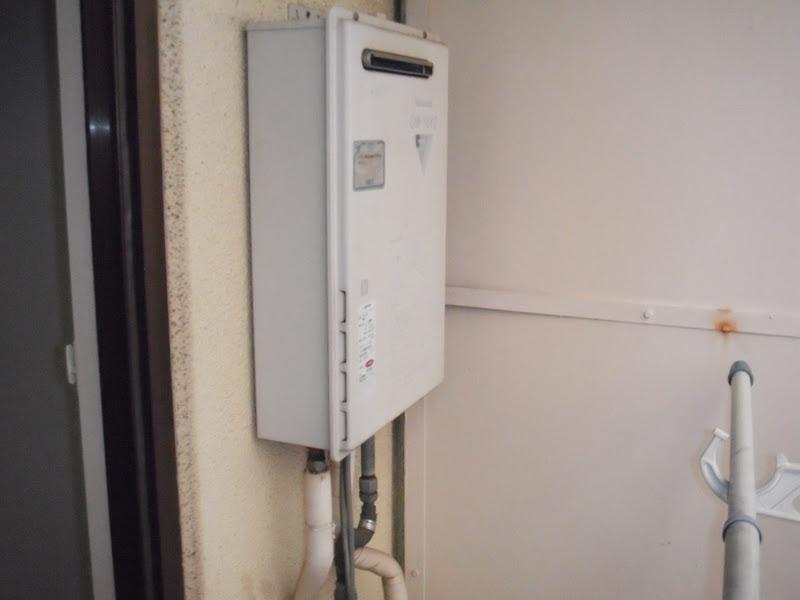 尼崎市 賃貸マンション ノーリツ 給湯器 ベランダ設置 取替 交換 工事