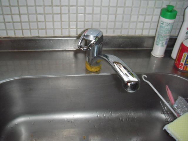 兵庫県 西宮市 戸建て住宅 台所シングルレバー水栓 取替交換工事