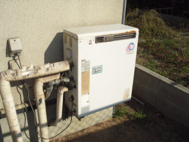 神戸市東灘区 戸建て住宅 ノーリツガス風呂給湯器 セミオートタイプ 取付交換工事