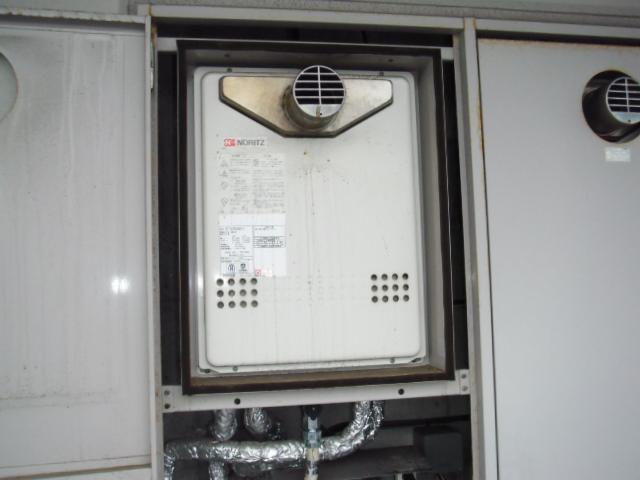 兵庫県明石市 マンション ノーリツガス風呂給湯器 扉内設置形 取替交換工事