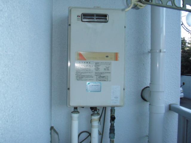 兵庫県尼崎市 賃貸マンション ノーリツガス給湯器 取替交換工事