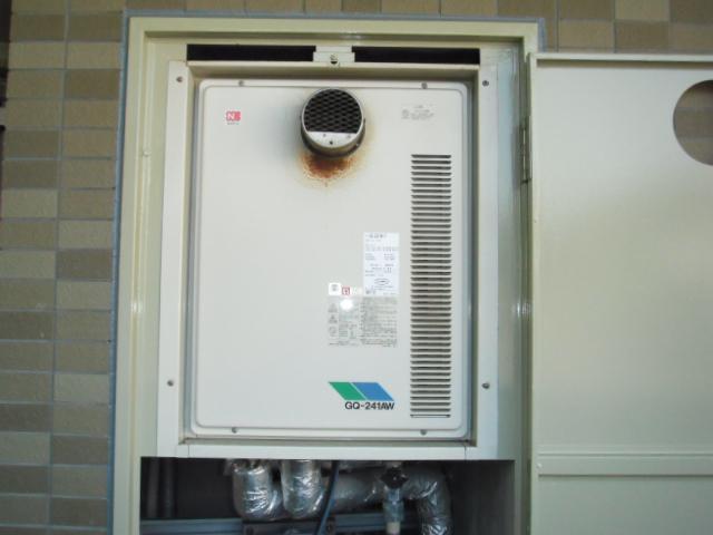 兵庫県神戸市須磨区 マンション ノーリツ ガス給湯器 高温差し湯タイプ 扉内設置形 取替交換工事