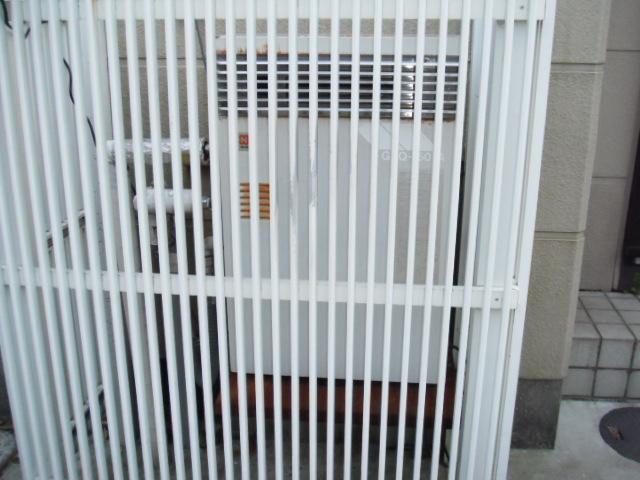 兵庫県尼崎市 戸建て住宅 ノーリツ ガス風呂給湯器 隣接設置形 取替交換工事