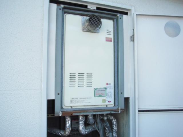 兵庫県尼崎市 マンション リンナイ ガス給湯器 高温水供給式タイプ 取替交換工事