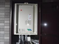 大阪市阿倍野区 マンション ノーリツ ガス給湯器 高温差し湯タイプ 後方排気形 取替交換工事