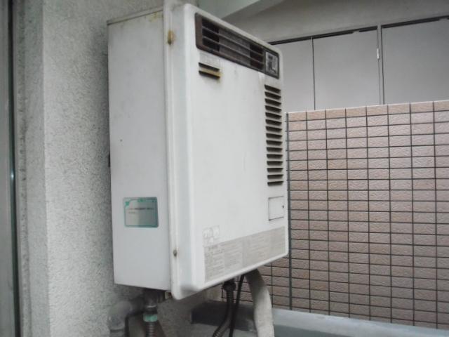 大阪市東淀川区 賃貸マンション ノーリツ ガス給湯器 取替交換工事