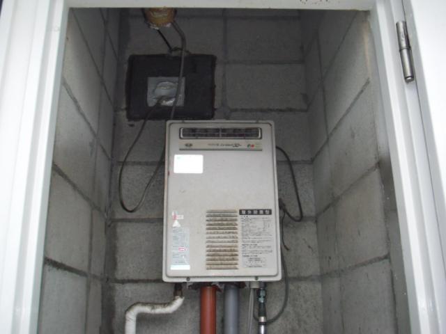 神戸市東灘区 マンション リンナイ ガス給湯器 高温差し湯タイプ 取替交換工事