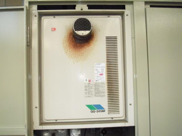 神戸市須磨区 マンション リンナイ ガス給湯器 高温差し湯タイプ 扉内設置型 取替交換工事