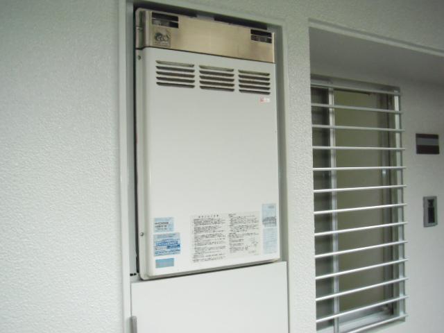 兵庫県西宮市 マンション リンナイ ガス給湯器 標準設置タイプ 取替交換工事