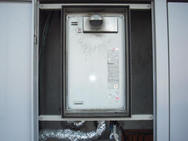 兵庫県西宮市 マンション ノーリツ ガス給湯器 高温差し湯タイプ 前方排気型 取替交換工事