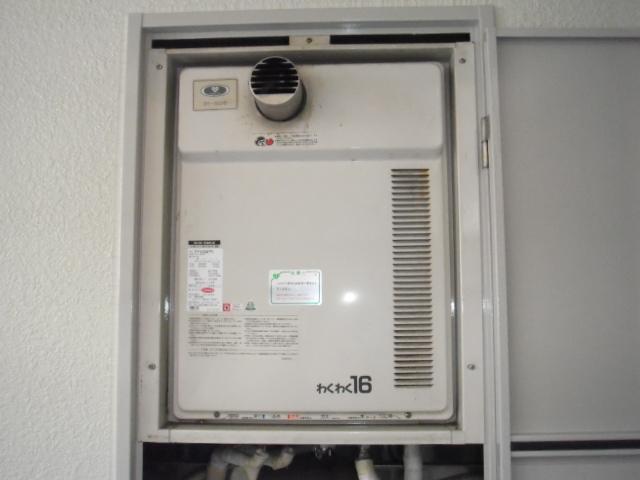 兵庫県尼崎市 マンション ノーリツ ガス風呂給湯器 前方排気形 取替交換工事