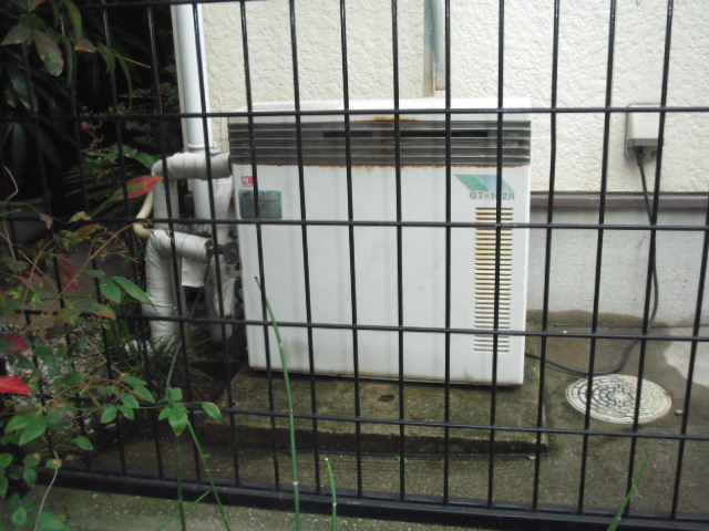 兵庫県尼崎市 戸建て住宅 ノーリツ ガス追い炊き付き給湯器 セミオート 取替交換工事