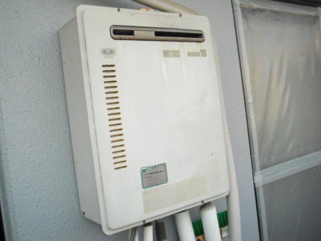 兵庫県尼崎市 マンション ノーリツ ガス風呂給湯器 セミオート 屋外壁掛け 取替交換工事