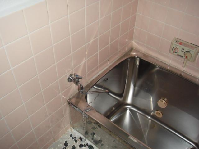 兵庫県 尼崎市 住宅 16号ノーリツ ガス給湯器 屋外壁掛け 浴室シャワー水栓 新設工事施工