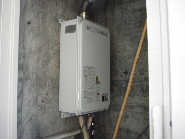 兵庫県 西宮市 マンション ノーリツ ガス給湯器 屋内設置形 強制排気 取替交換工事施工