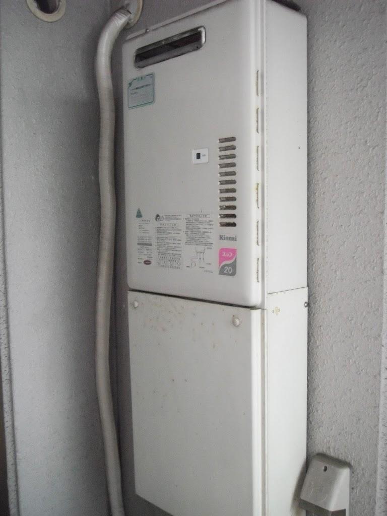 兵庫県 西宮市 マンション ノーリツ ガス給湯器 16号 屋外設置形 取替交換工事