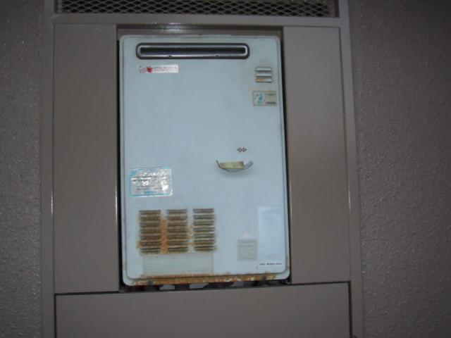 兵庫県尼崎市 マンション ノーリツ ガス給湯器 標準設置型 取替交換工事施工