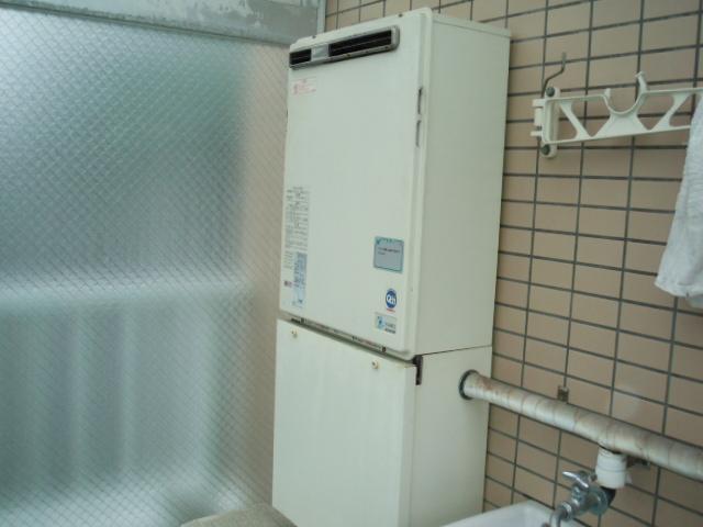 大阪府 吹田市 マンション リンナイ ガス風呂給湯器 屋外壁掛け型 フルオートタイプ 取替交換工事
