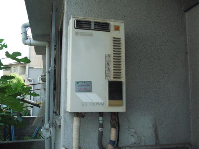 兵庫県 尼崎市 文化住宅 ノーリツ 16号 ガス給湯器 屋外設置型 取替交換工事