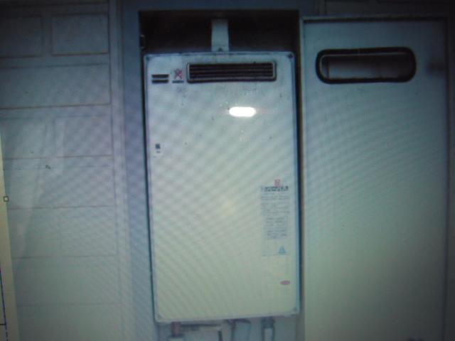 兵庫県 尼崎市 ハイツ リンナイ ガス給湯器 ボックス内設置型 取替交換工事