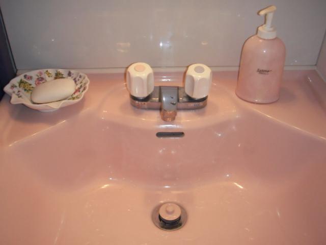 兵庫県 尼崎市 マンション KVK 洗面台用 2ハンドル水栓 取替交換工事