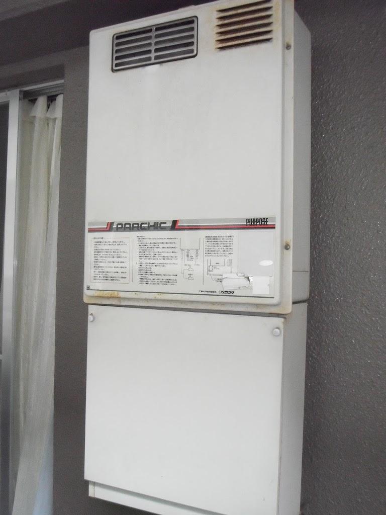 兵庫県 西宮市 マンション ノーリツ ガス給湯器 屋外ベランダ設置 取替交換工事
