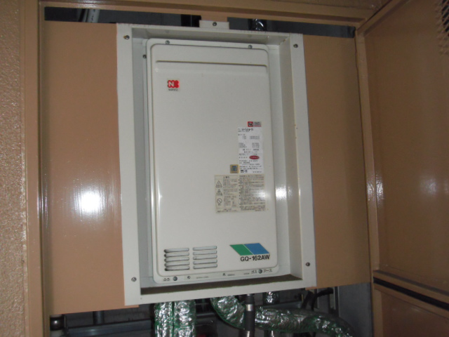 兵庫県 神戸市 東灘区 マンション ノーリツ 16号 ガス給湯器 高温水供給式 PS扉内設置 後方排気型 取替交換工事