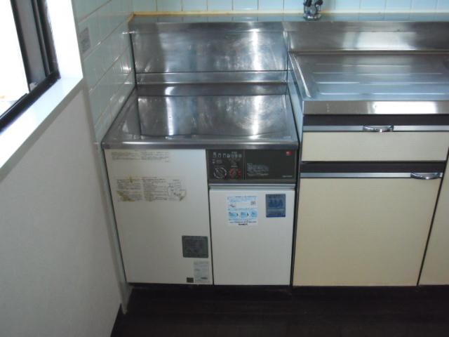 兵庫県 尼崎市 マンション ノーリツ 屋内設置コンロ台形 ガス給湯器 取替交換工事 施工