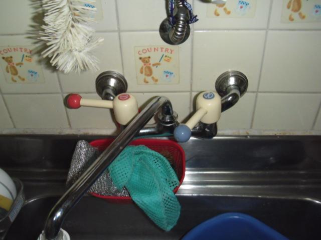 兵庫県 神戸市 灘区 戸建て住宅 KVK キッチン 壁付け シングルレバー水栓 取替交換工事 施工