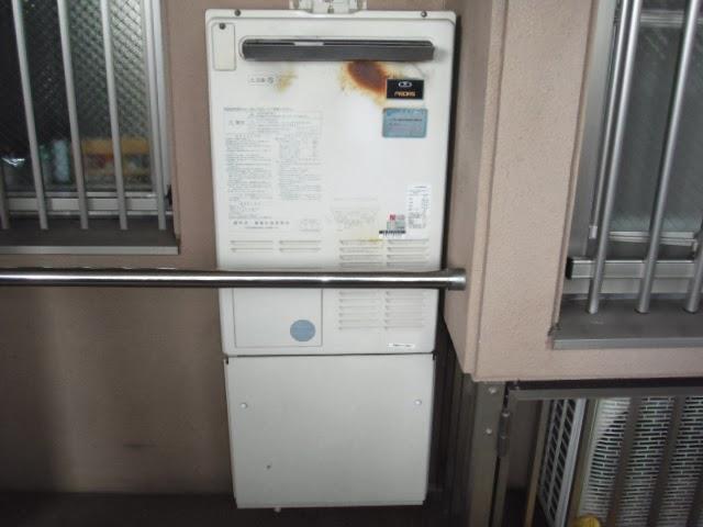 兵庫県 西宮市 マンション リンナイ ガス 暖房付フロ給湯器 フルオート 標準設置形 取替交換工事 施工
