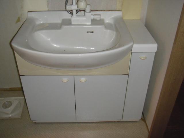 兵庫県 西宮市 マンション ハウステック 洗面化粧台 ラヴァ-ボ 900サイズ 取替交換工事 施工
