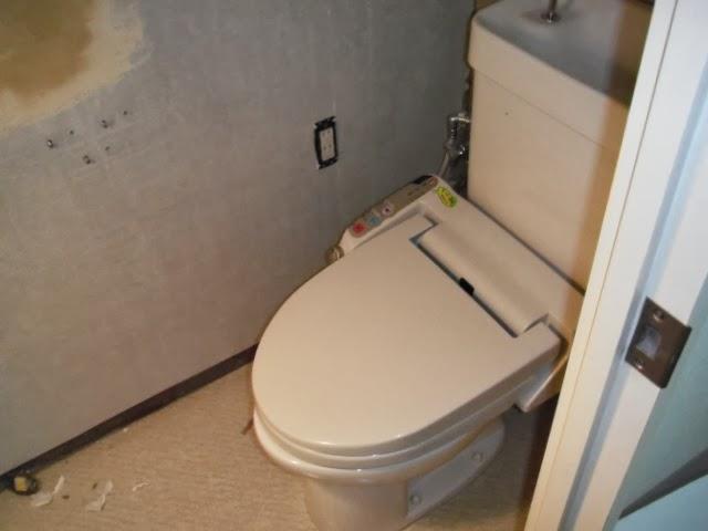 兵庫県 西宮市 マンション トイレ 便器 温水洗浄便座 取替交換工事 施工