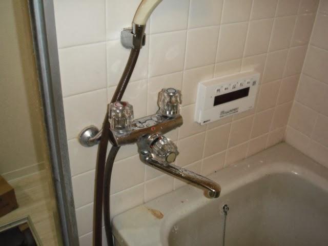 兵庫県 西宮市 マンション 浴室 サンエイ  シングルレバー 水栓 取替交換工事 施工