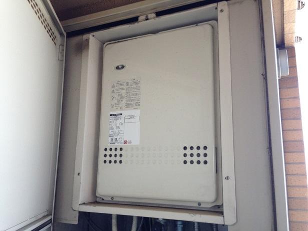 大阪市 淀川区 マンション パーパス ガスふろ給湯器 扉内設置型 後方排気 取替交換工事 施工
