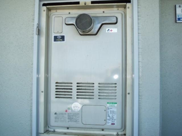 兵庫県 尼崎市 マンション リンナイ ガス追炊き付き給湯器 扉内設置 前方排気型 取替交換工事 施工