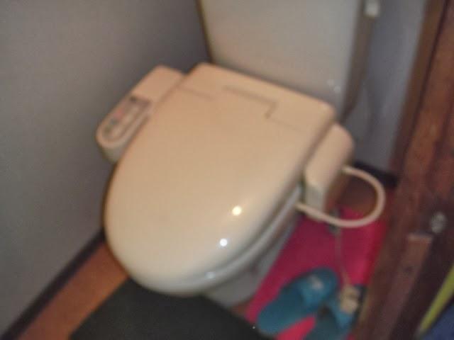 兵庫県 西宮市 店舗 東芝 温水洗浄便座 取り替え交換工事 施工