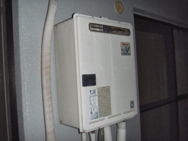 兵庫県 尼崎市 マンション ノーリツ 16号 ガス追炊き付き給湯器 セミオート型 ベランダ 屋外設置 取替交換工事 施工