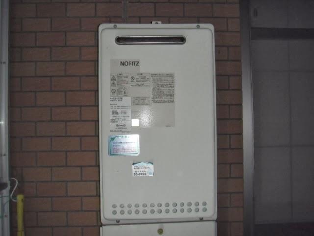 兵庫県 宝塚市 マンション ノーリツ 16号 ガス給湯器 屋外設置型 取替交換工事 施工