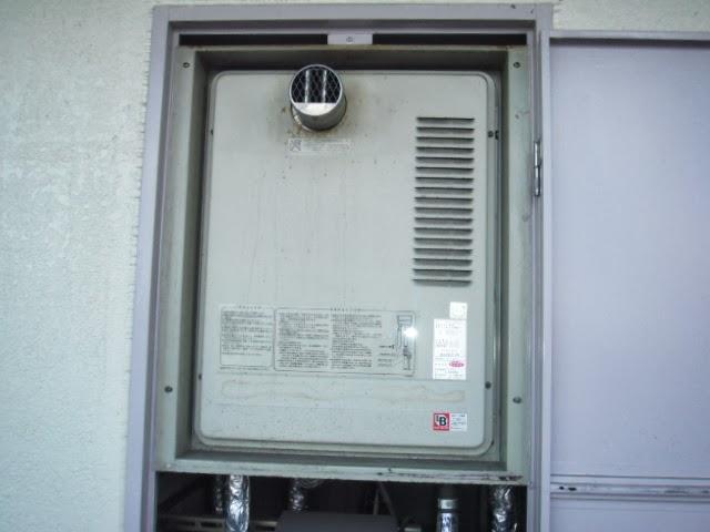 大阪府 堺市 マンション ノーリツ ガス給湯器 16号 PS扉内設置 メーターボックス 前方排気 取替交換工事 施工