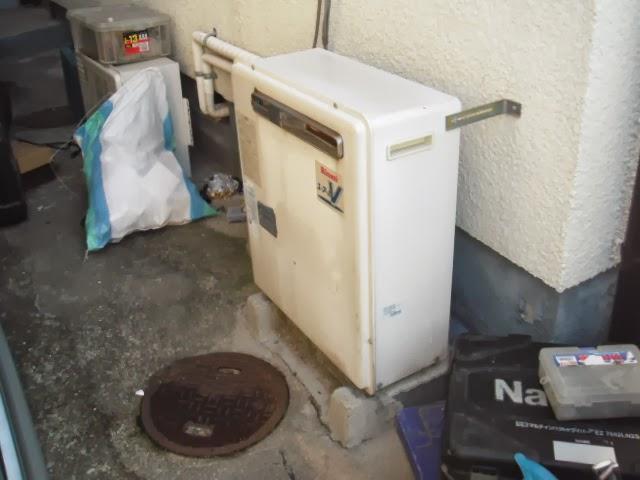 兵庫県 宝塚市 戸建て住宅 ノーリツ ガス風呂給湯器 エコジョーズ 屋外壁掛け型 取替交換工事 施工