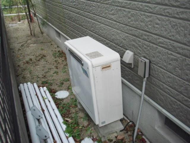 兵庫県 三木市 戸建て住宅 ノーリツ ガス追いだき付き給湯器 フルオートタイプ 据置型 24号 取替交換工事 施工