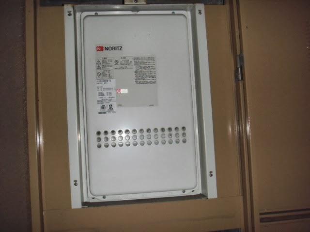 兵庫県 尼崎市 マンション ノーリツ 24号 ガス給湯器 高温水供給方式 PS扉内設置 後方排気型 取替交換工事施工