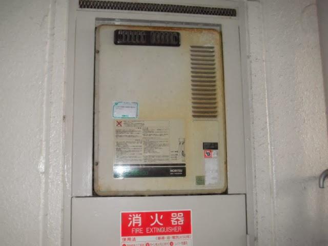 兵庫県 尼崎市 マンション ノーリツ ガス給湯器 16号 PS扉設置 標準 取替交換工事施工