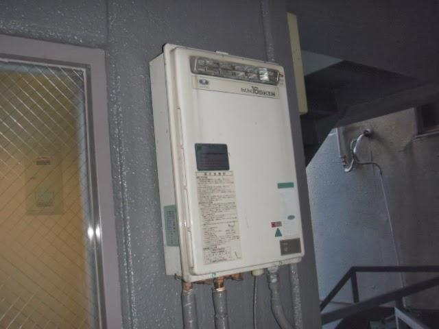 大阪府 大阪市 中央区 マンション ノーリツ 16号 ガス給湯器 屋外設置型 取替交換工事施工