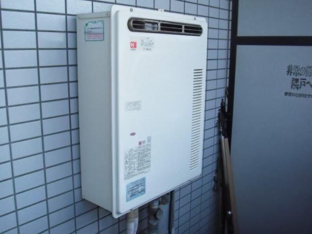 兵庫県 尼崎市 マンション ノーリツ 16号 ガスふろ給湯器 屋外設置型 セミオートタイプ 取替交換工事 施工