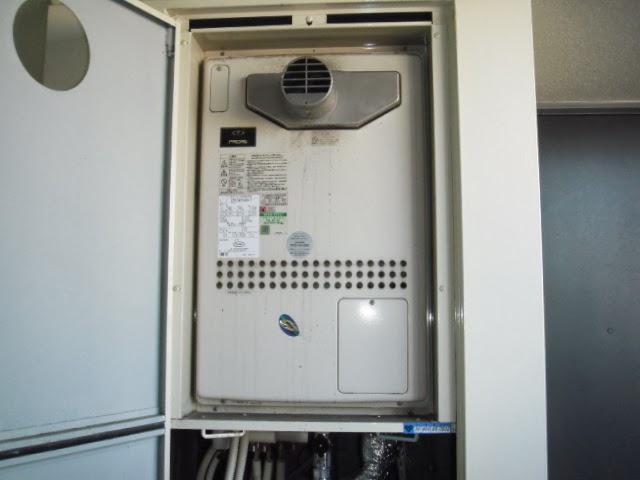 兵庫県 西宮市 マンション ノーリツ 24号 ガスふろ給湯器 セミオートタイプ PS設置 前方排気型 取替交換工事施工