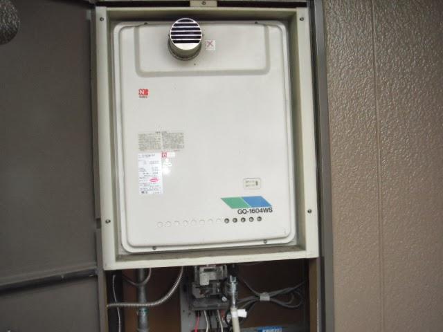 兵庫県 尼崎市 マンション ノーリツ 16号 ガス給湯器 PS扉内設置 前方排気 取替交換工事施工